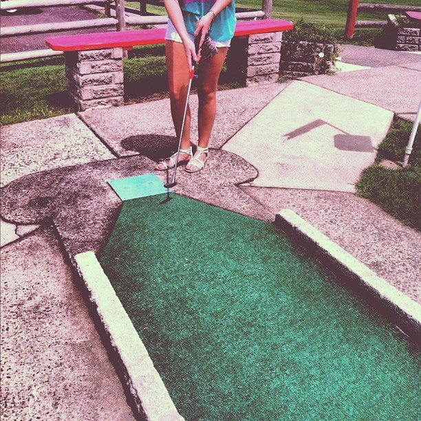 Play Minigolf