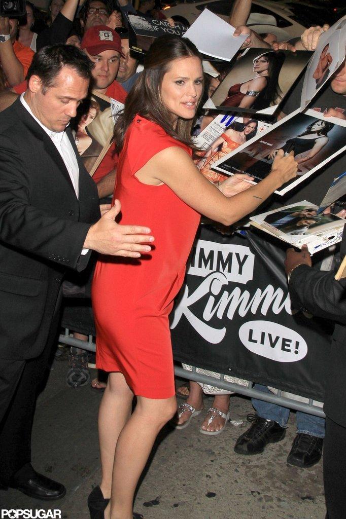 Jennifer Garner signed autographs at Jimmy Kimmel Live!