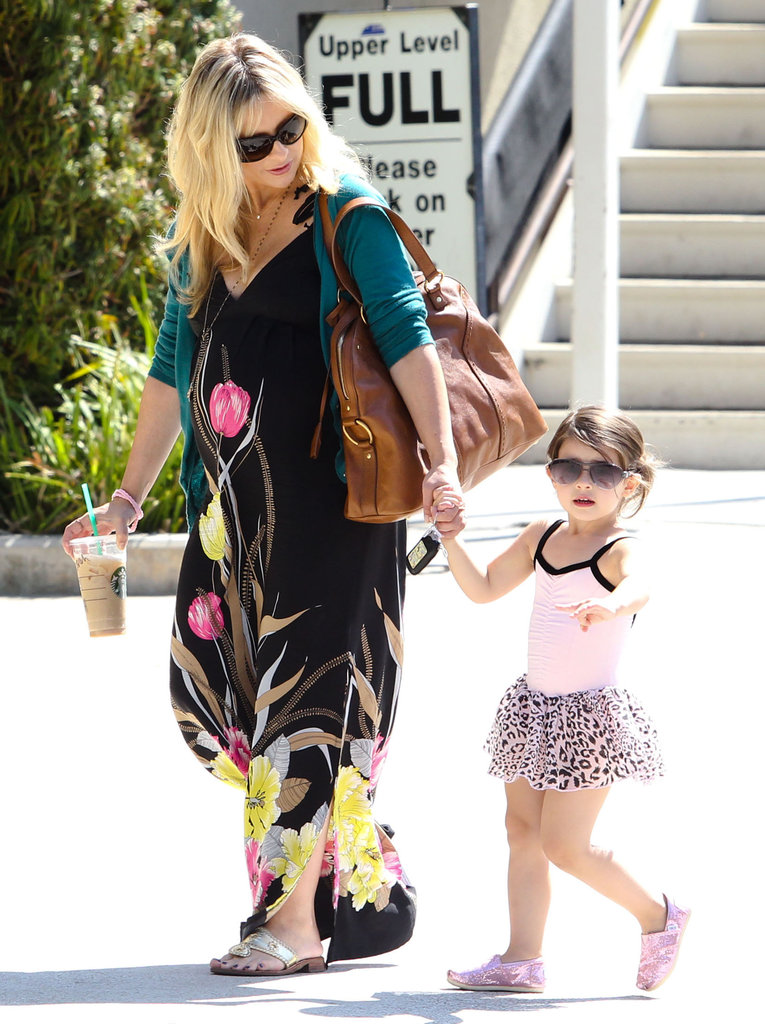 Sarah Michelle Gellar and Charlotte Prinze both wore sunglasses.
