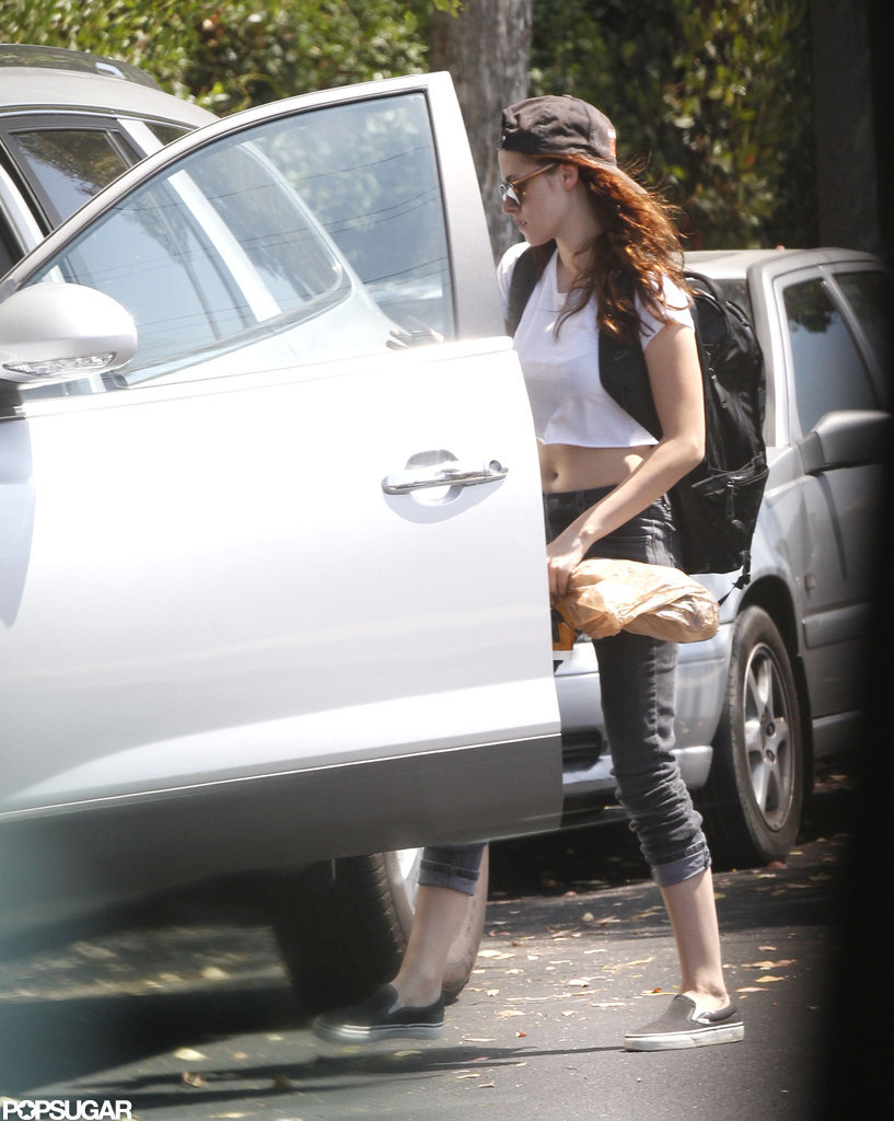 Kristen Stewart showed off her stomach.