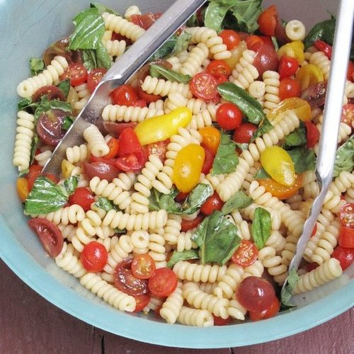 Fusilli With No-Cook Tomato Sauce