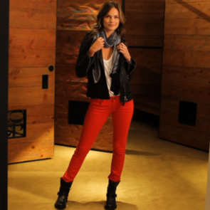 How to Wear Red Jeans (Video)