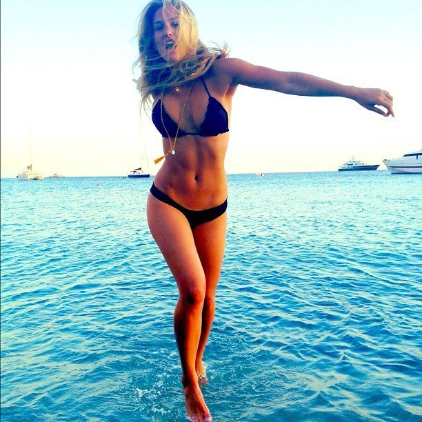 Model Bar Refaeli showed off her (amazing) bikini body. Source: Instagram user barrefaeli