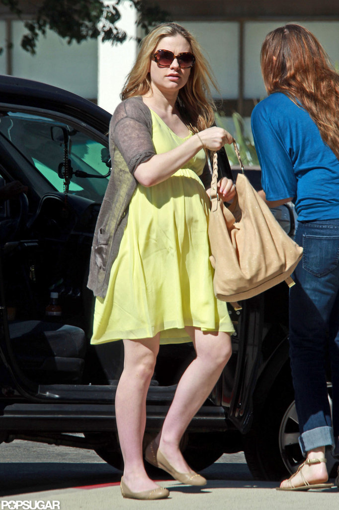 Pregnant Anna Paquin went to a meeting.