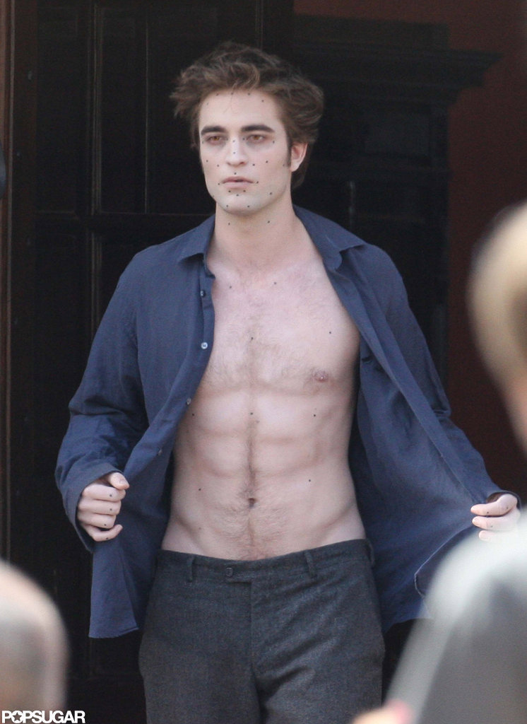 Robert Pattinson bared his abs in Italy while filming New Moon in May 2009.