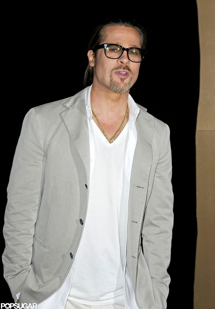 Brad Pitt wore a gray blazer to a Killing Them Softly screening in London.