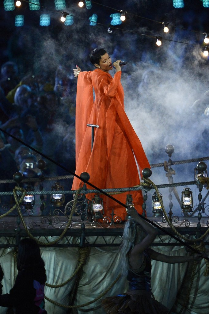 Rihanna wore an orange outfit for the London Paralympics closing ceremony.