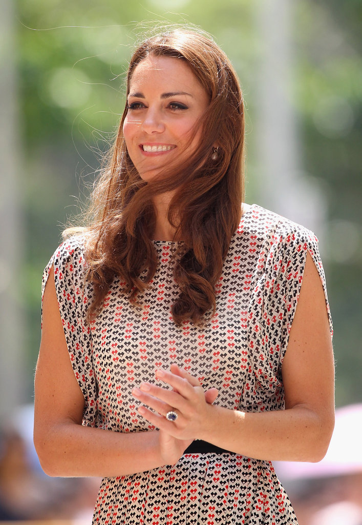 A closer look at the chevron-inspired print of Kate's Raoul set.