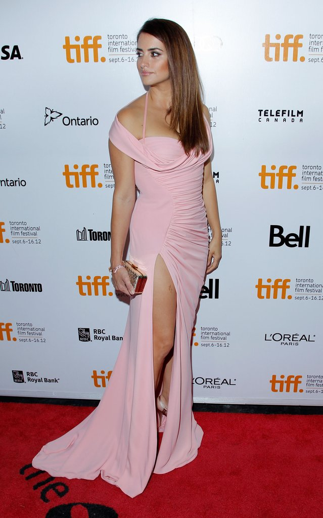 Penelope Cruz posed in a pink gown on the red carpet.
