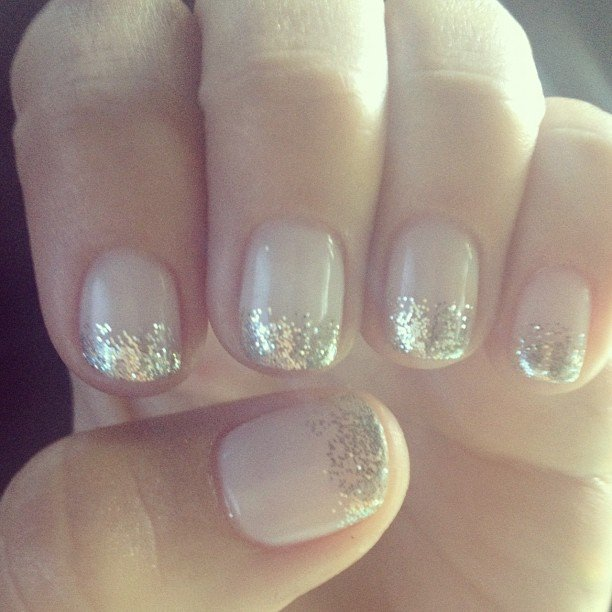 Julianne Hough showed off her Emmys manicure.  Source: Instagram user juleshough