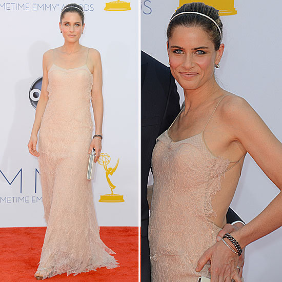 Pictures of Amanda Peet in Nude Lace Dress on the red carpet at the 2012 Emmy Awards