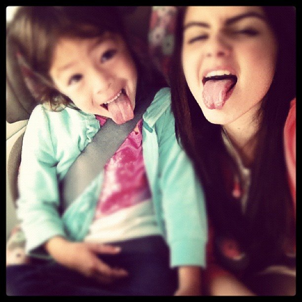 Ariel Winter played around with her younger co-star.  Source: Instagram user arielwinter