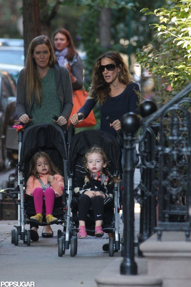 Sarah Jessica Parker took her twins, Loretta Broderick and Tabitha Broderick, out for a stroll.