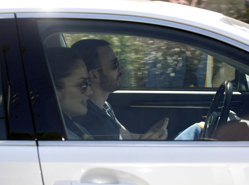 Chris Evans and Minka Kelly hit the road.