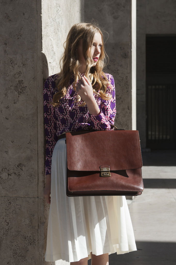 A supersize satchel lent a menswear vibe to this ladylike look.