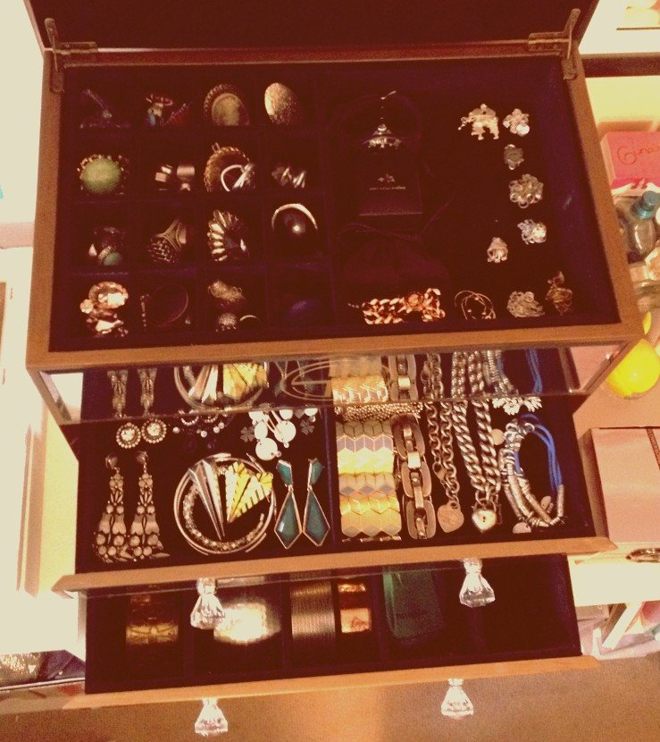Every morning, you'll find me in front of my Samantha Wills jewellery box, struggling to choose my accessories for the day. The pewter Peter Lang earrings (middle row, far left) are on high rotation at current.