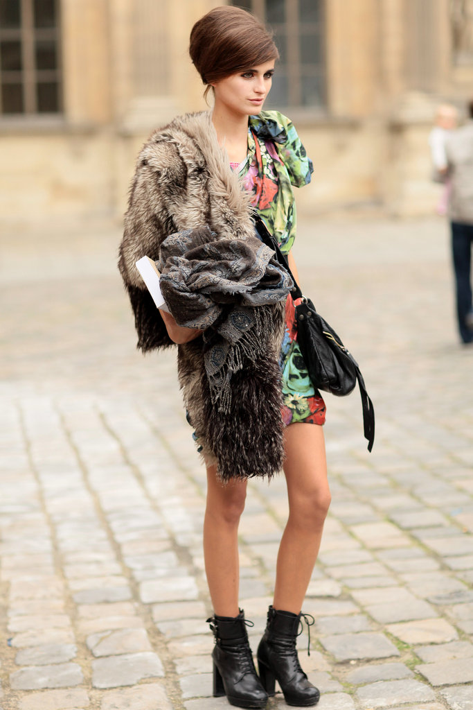 A fur stole lent a glam, eclectic touch to pretty florals.
