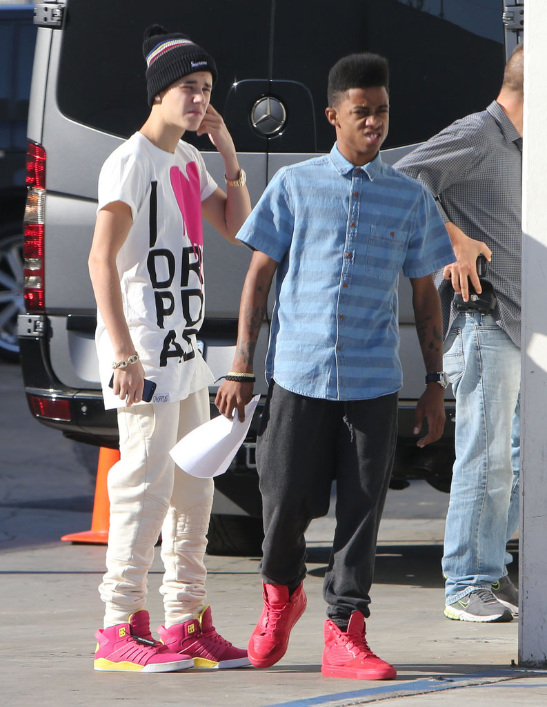 selena gomez and justin bieber wearing hearts pictures