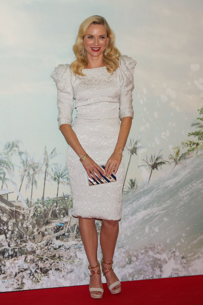 Naomi Watts chose a white dress for her red