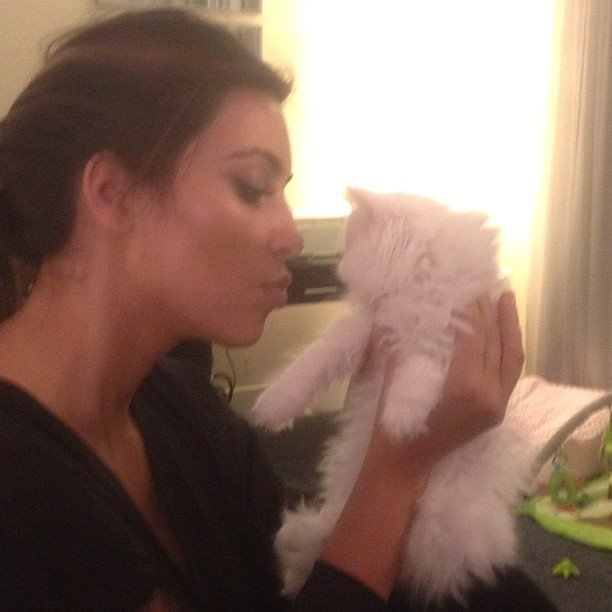 Kim Kardashian cuddled with her cat, Mercy. Source: Instagram user kimkardashian