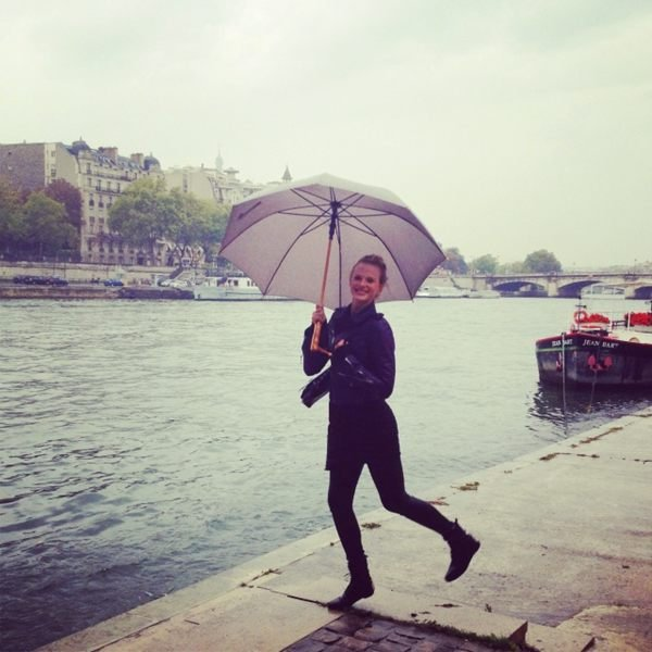 Anne V. was all smiles in the rain. Source: Twitter user AnneV