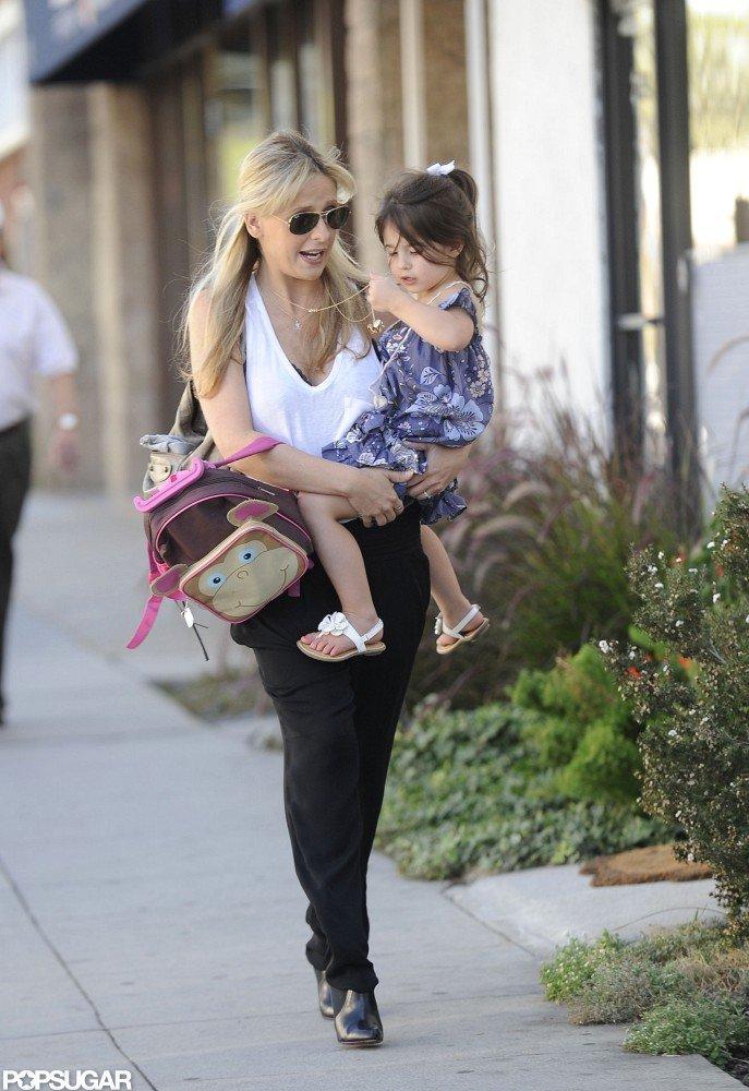 Sarah Michelle Gellar and Charlotte Prinze took to the sidewalk in LA.