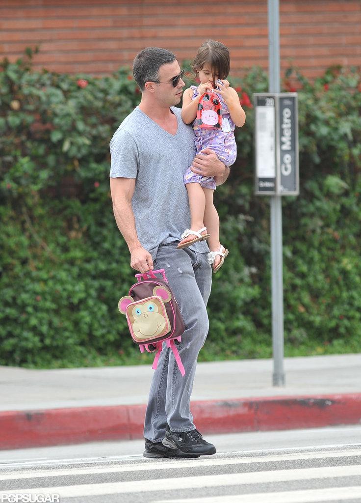 Freddie Prinze Jr. and Charlotte crossed the street.