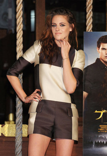Kristen Stewart wore oversize checks to promote Breaking Dawn Part 2 in Japan.