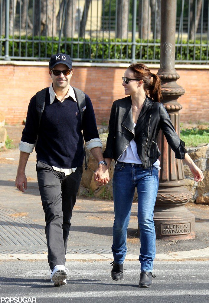 Olivia Wilde and Jason Sudeikis were all smiles as they chatted.