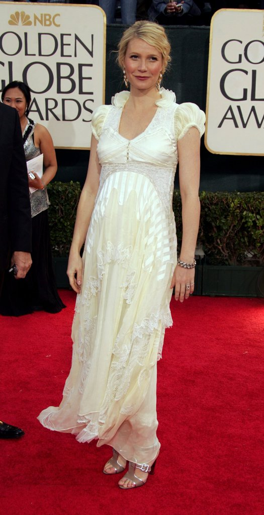 Gwyneth Paltrow stunned at the 2006 Golden Globes in a romantic gown that featured everything from capped sleeves to a lacy front.