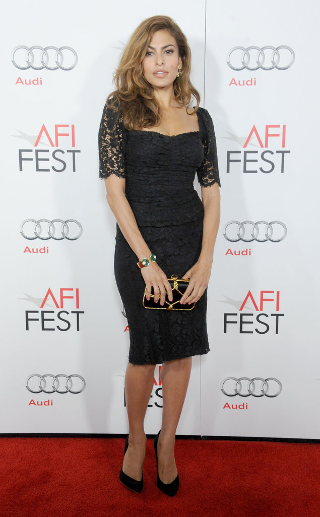 Eva Mendes perfected the bombshell look in her lace, curve-conscious Dolce & Gabbana sheath at the AFI Fest. 8993657