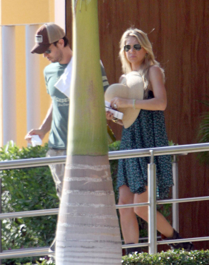 Enrique Iglesias and Anna Kournikova both sported sunglasses in Cabo.