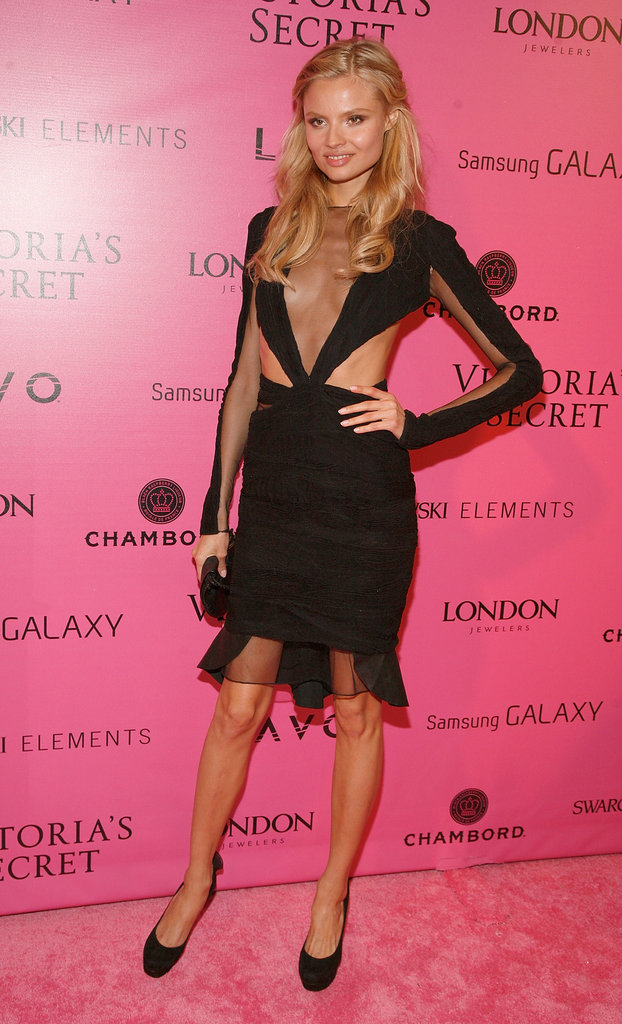 Magdalena Frackowiak slipped into a sexy cutout and sheer inset LBD.