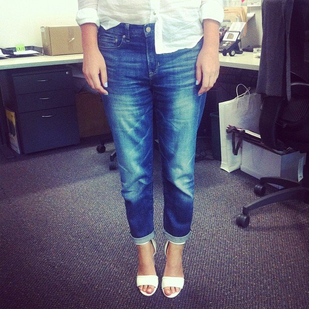 Alison was lookig foxy and fresh in her white Zimmermann wedges and Gap boyfriend jeans.