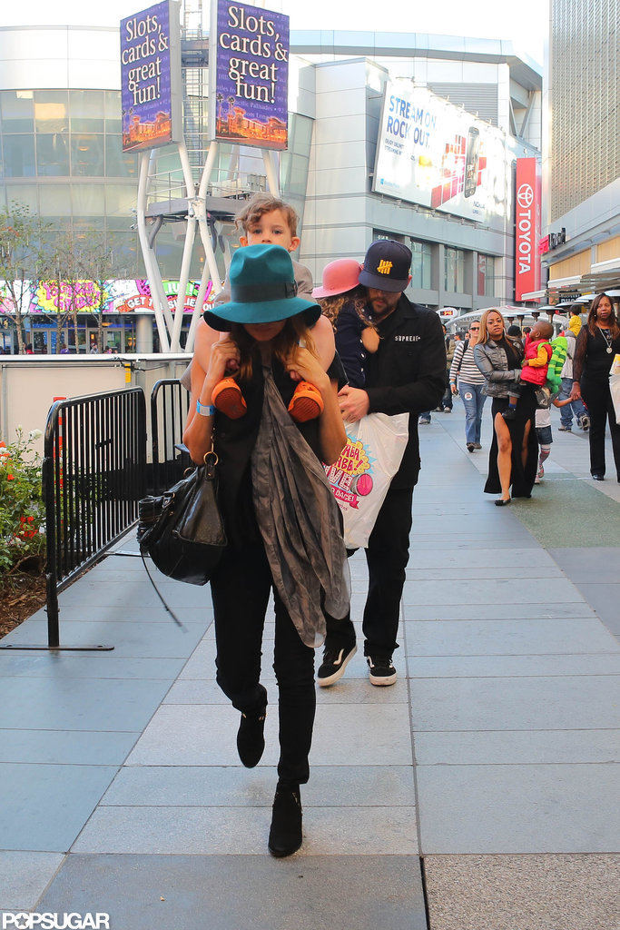 Nicole Richie attended the Yo Gabba Gabba show with her kids and husband Joel Madden in LA.