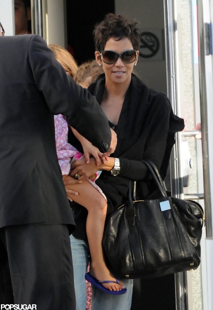 Halle Berry took Nahla Aubry to the Yo Gabba Gabba kids concert in LA.