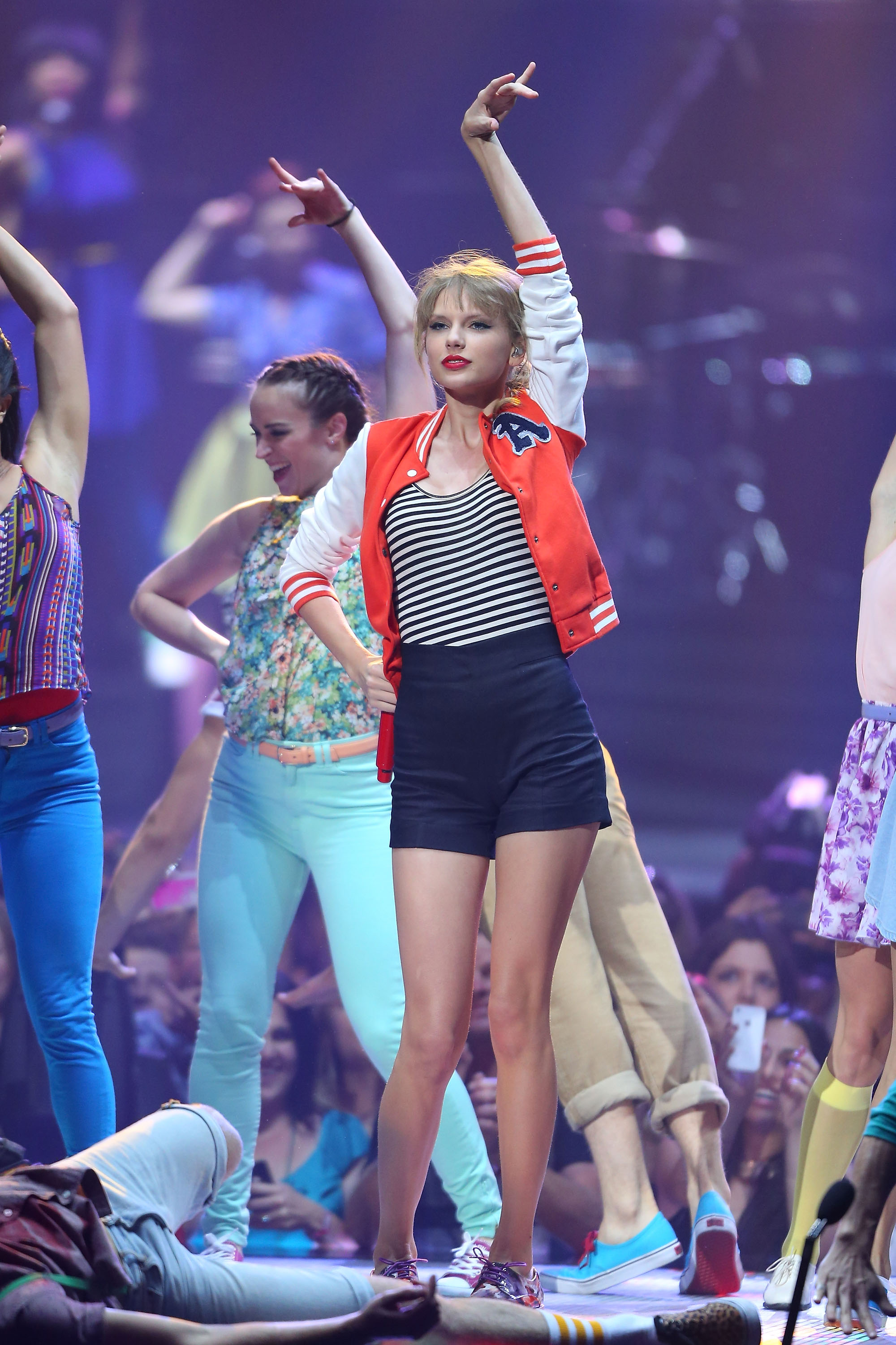 Taylor Swift got on stage to perform in Sydney.
