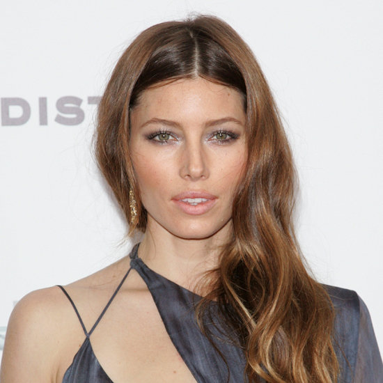 Picture of Jessica Biel's Wavy Hair and Silver Eye Makeup