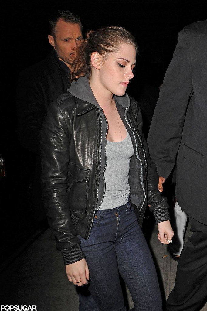 Kristen Stewart had her bodyguards with her when she went to dinner.