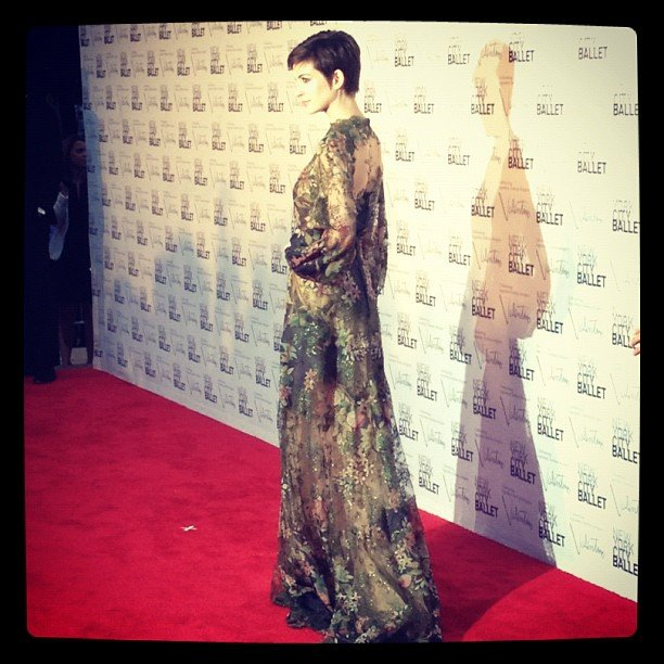 In September, we snapped a shot of Anne Hathaway's gorgeous gown at the NYC Ballet's Fall gala held at Lincoln Center.