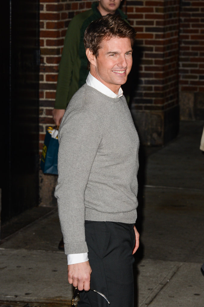 Tom Cruise greeted fans outside the Late Show.