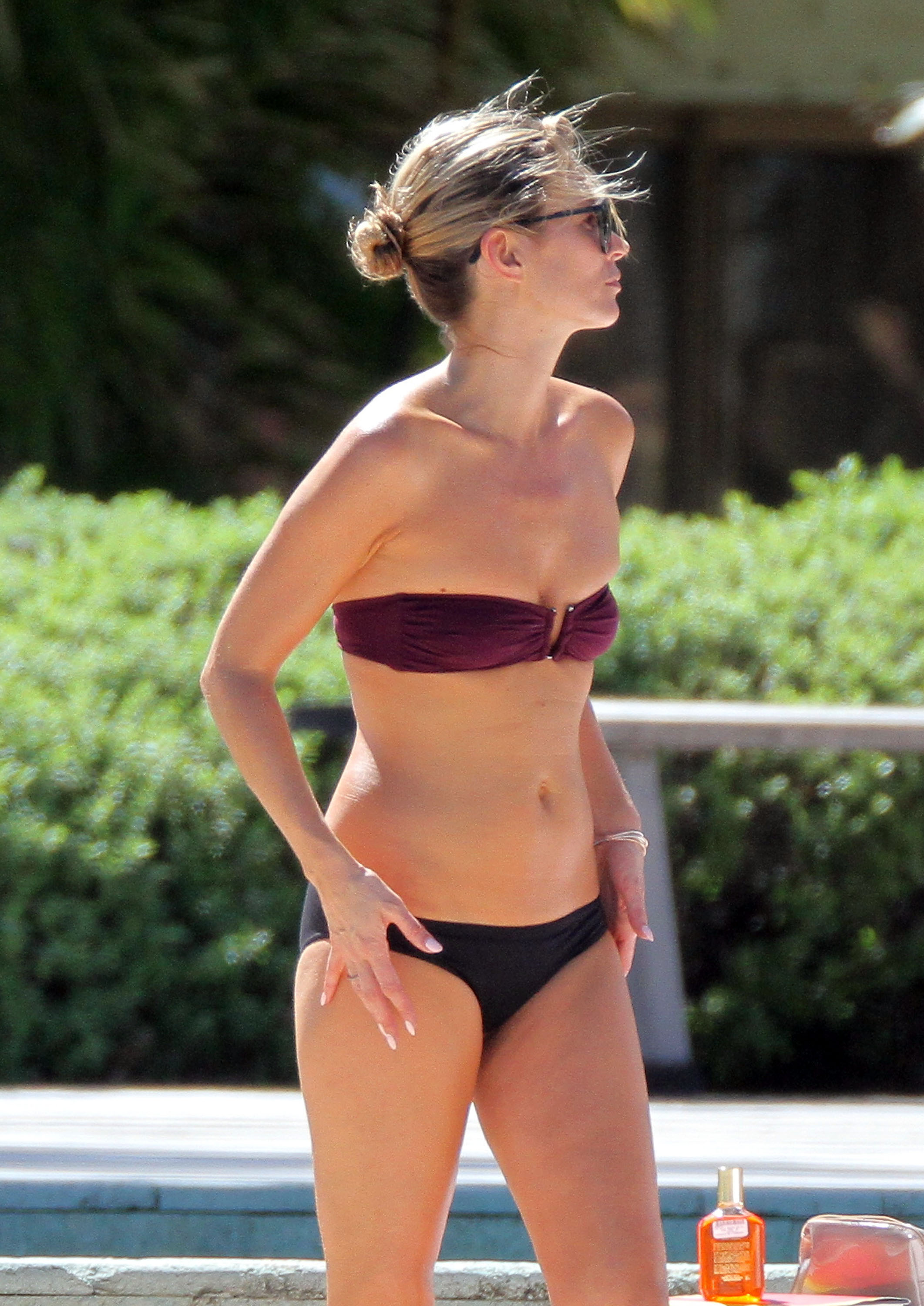 Kate Moss worked on her tan.