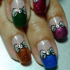 Impress Your Friends With This Gift Box Manicure