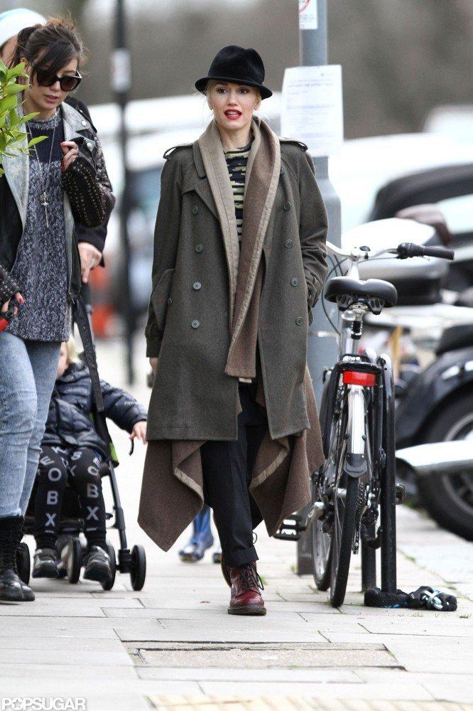 Gwen Stefani kept bundled up in a dark coat.
