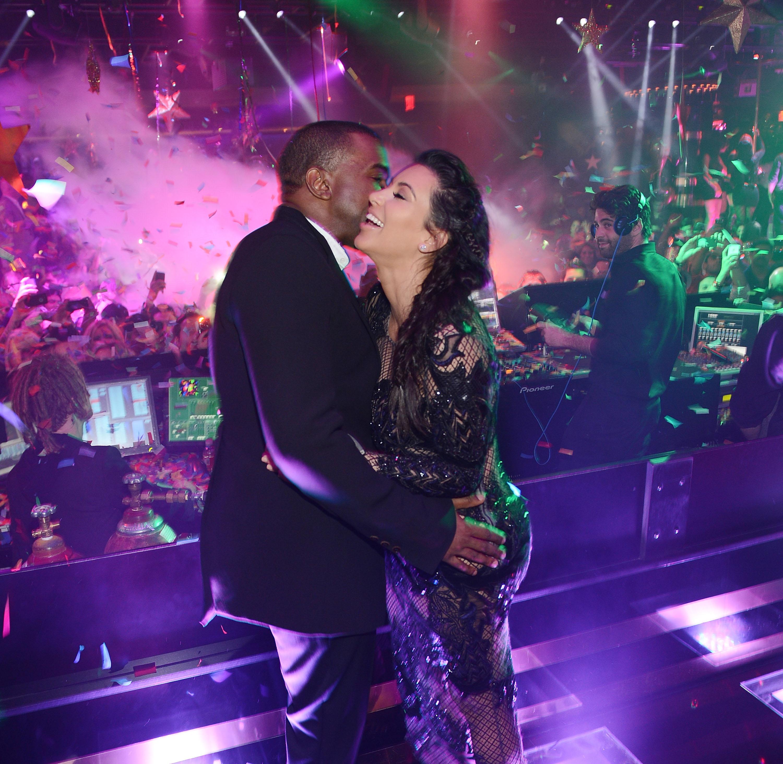 Kim-Kardashian-boyfriend-Kanye-West-kiss