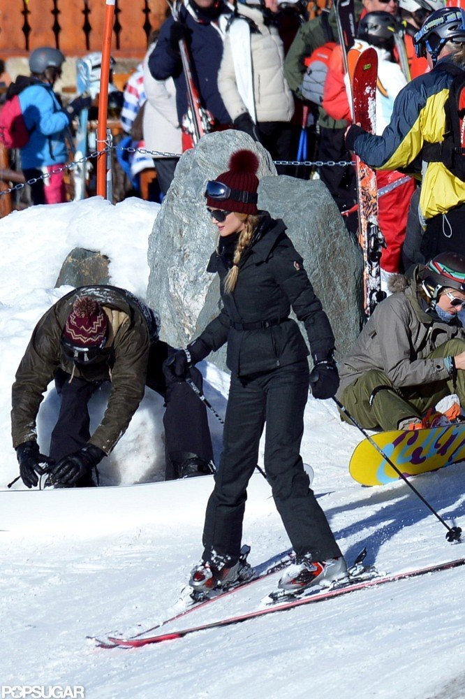 Rosie Huntington-Whiteley wore a beanie while skiing.