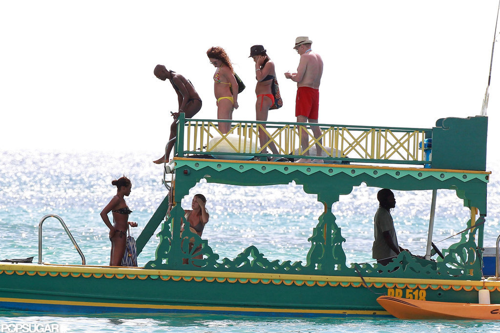 Rosario Dawson and her friends checked out a boat.