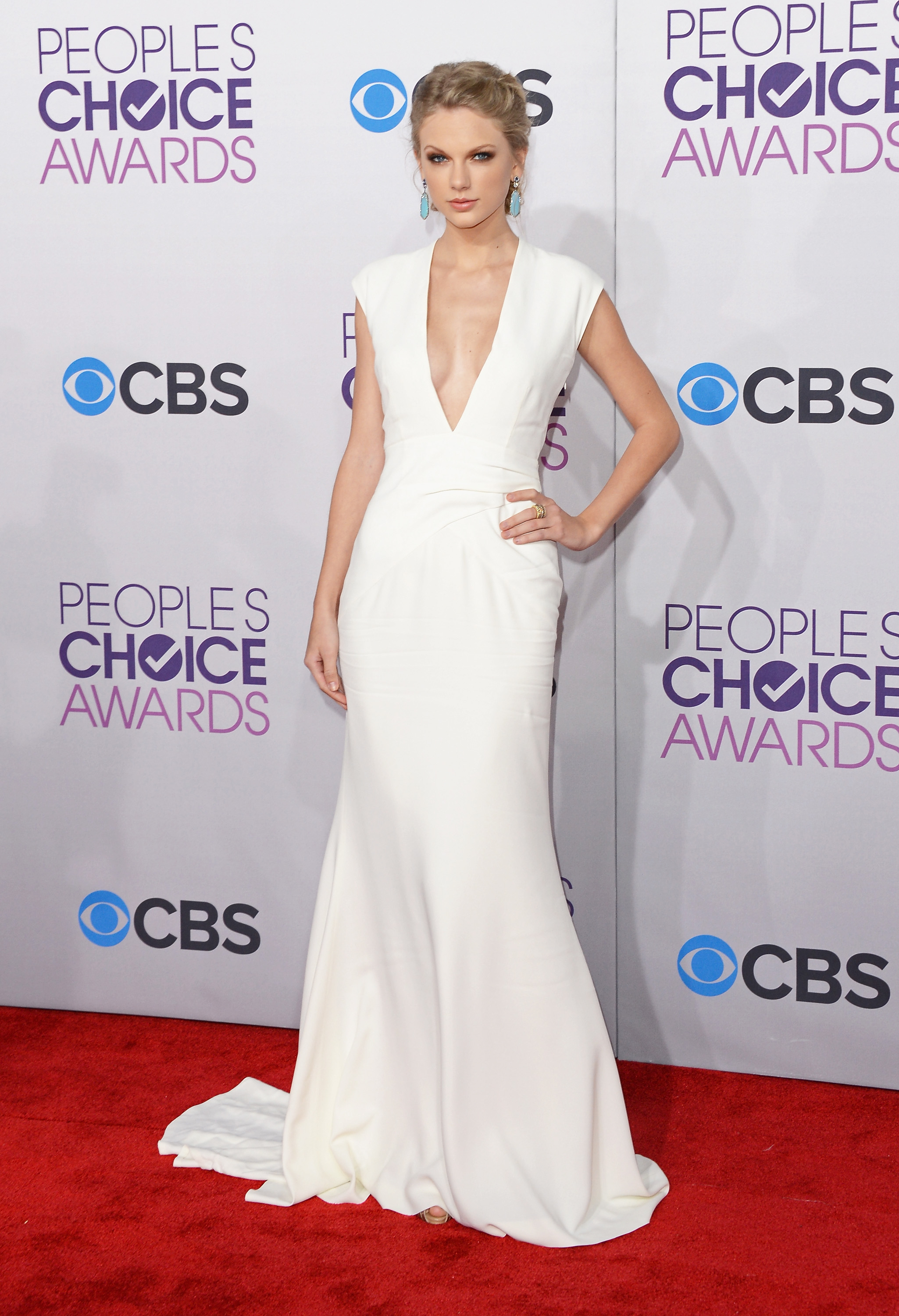Taylor Swift wore a sexy white gown.