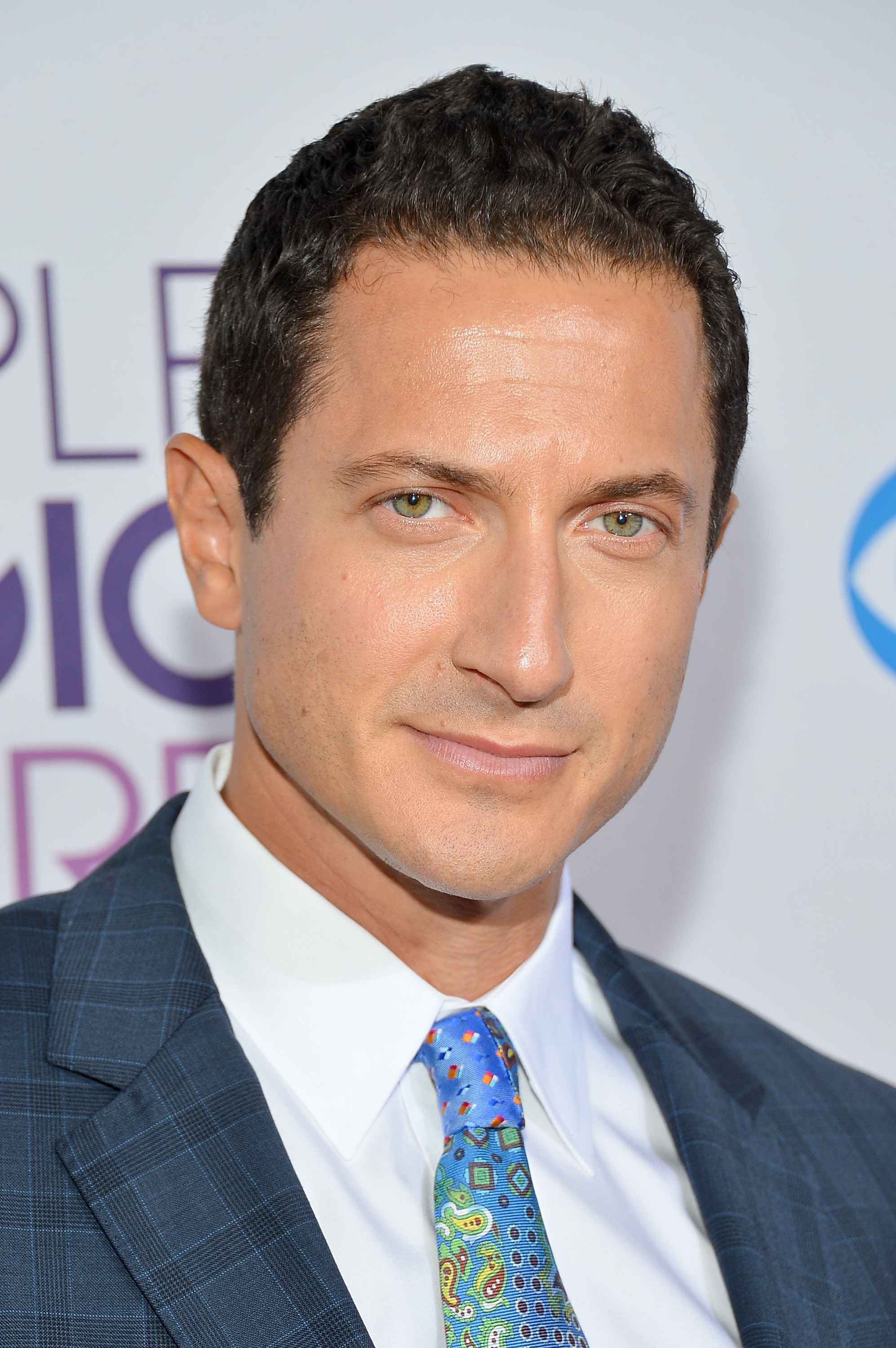 Sasha Roiz address