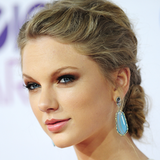 Video: Celebrity Beauty Looks at the People's Choice Awards